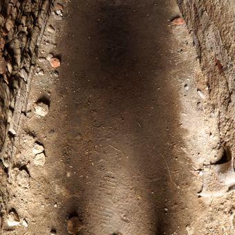 Stín zemřelého řeholníka.
