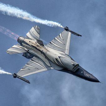 F16 vader