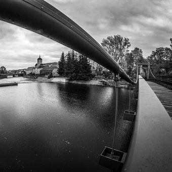 Kaligrafické křivky mostu