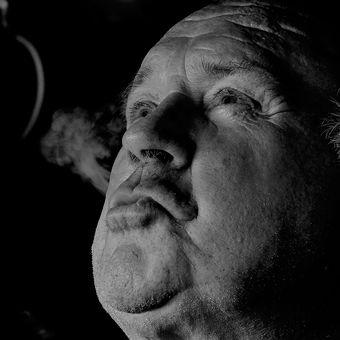 """Cigar / Doutník"""