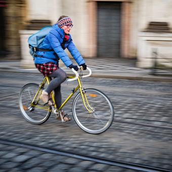 Na zlatém kole městem pražským