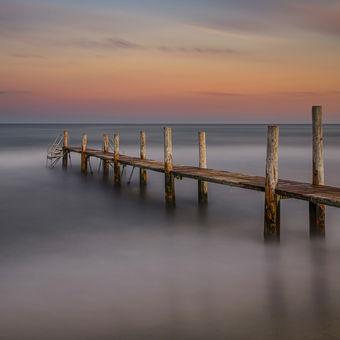 Pláž Pampelonne, staré dřevěné molo :-)