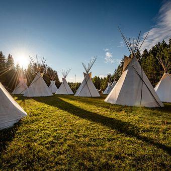 Západ nad táborem