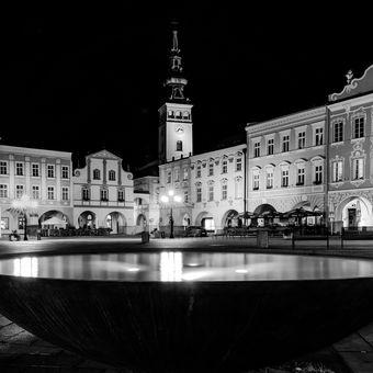 Večer na náměstí