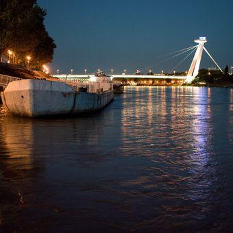 BRatislava z Dunaja