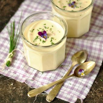 Studená polévka vichyssoise