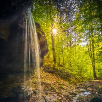 - Za Vodopádem -