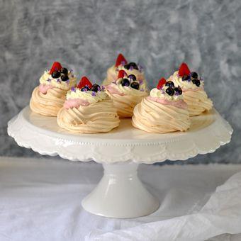 Mini Pavlovy - jeden z nejkrásnějších letních dezertů