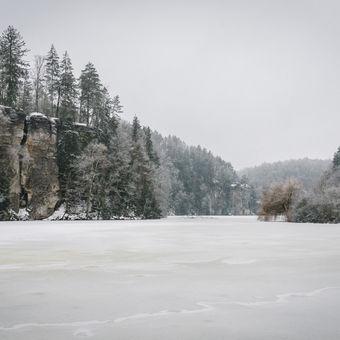 Zima v Českém ráji, Podtrosecká údolí