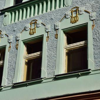 Secesní dům v Pražské ulici v Liberci, detail