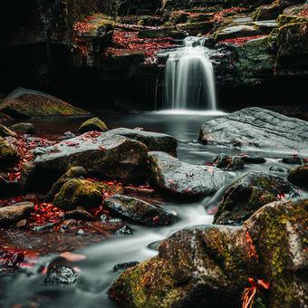 Ráno u Satinských vodopádů