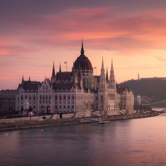 Na krasnom zlatom Dunaji