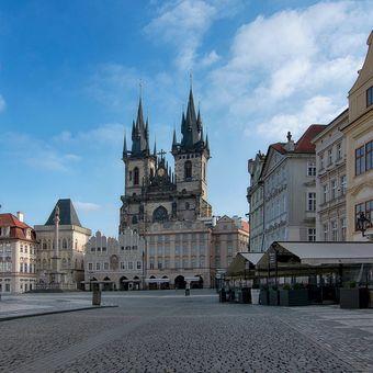 Ráno na Staroměstkém náměstí