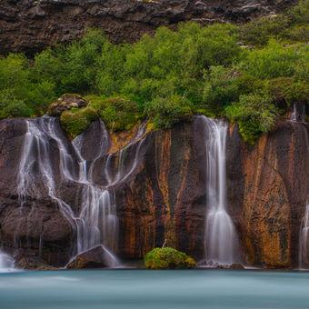 Lávový vodopád Hraunfossar