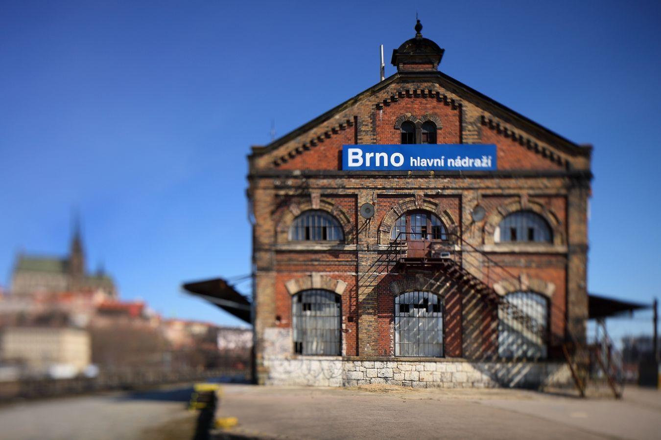 Brno - 5 nástupiště.