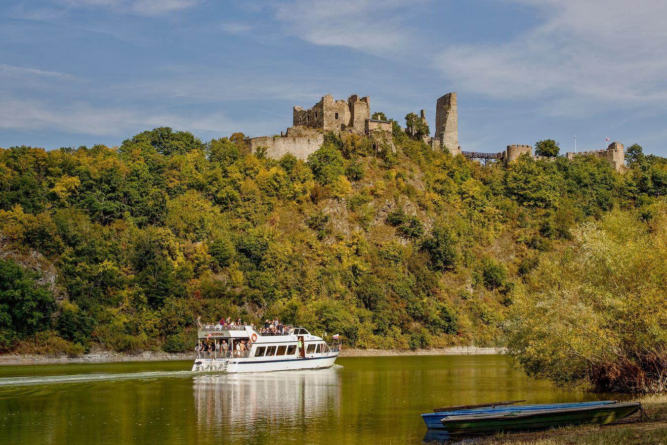 Historie a současnost hradu Corštejn,