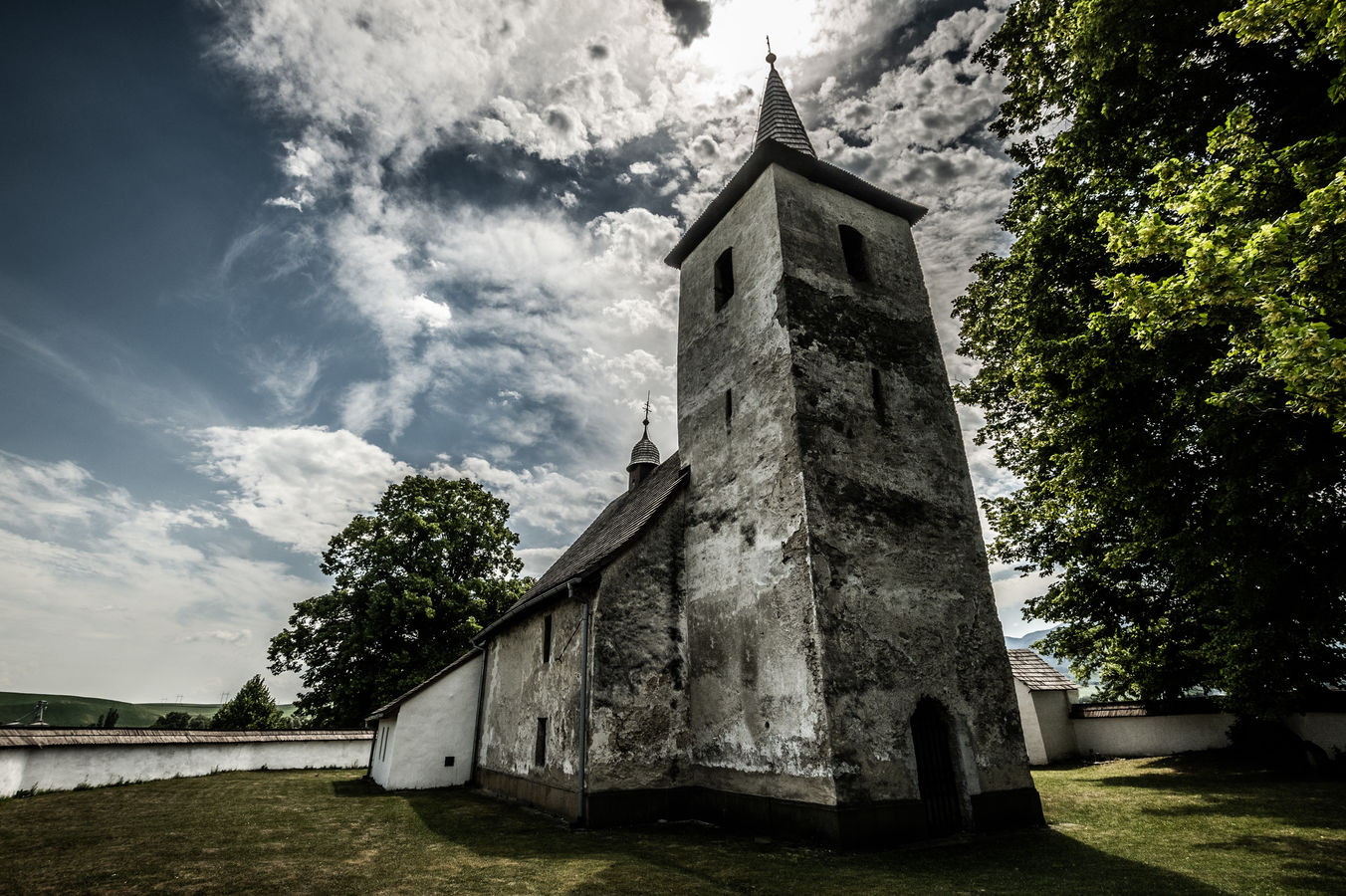 Gotický kostol Ludrová