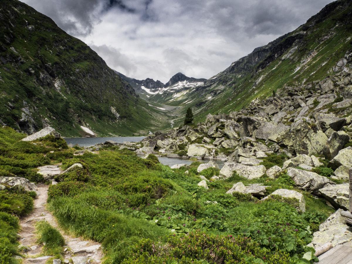 Údolí jezírka Dorfer