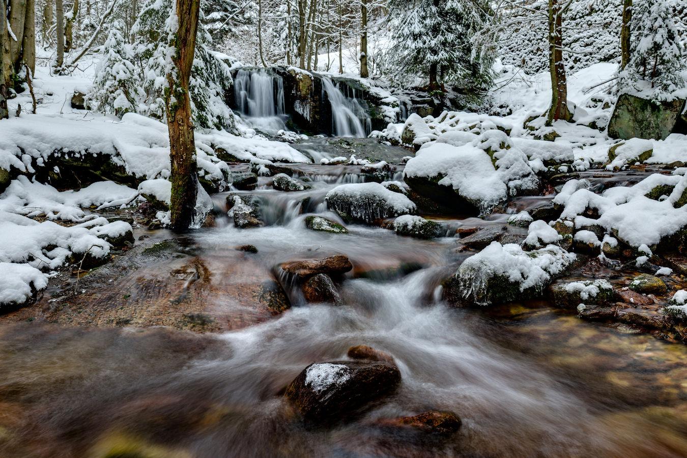 Zimní Poniklý vodopád