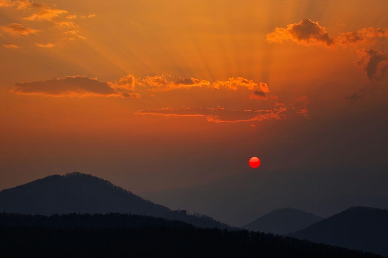 Západ slunce na Úhošti
