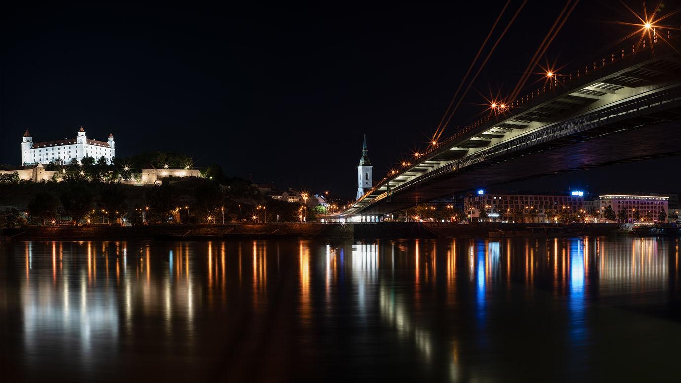 Noční Bratislava
