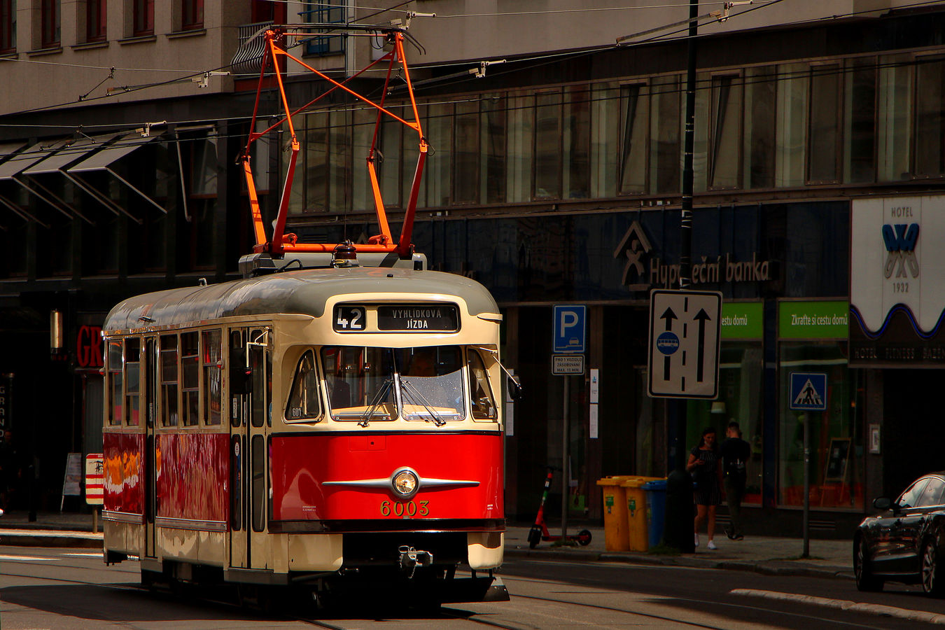 Tramvaj T2
