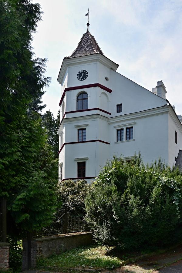 Zámek Radim (okres Kolín)