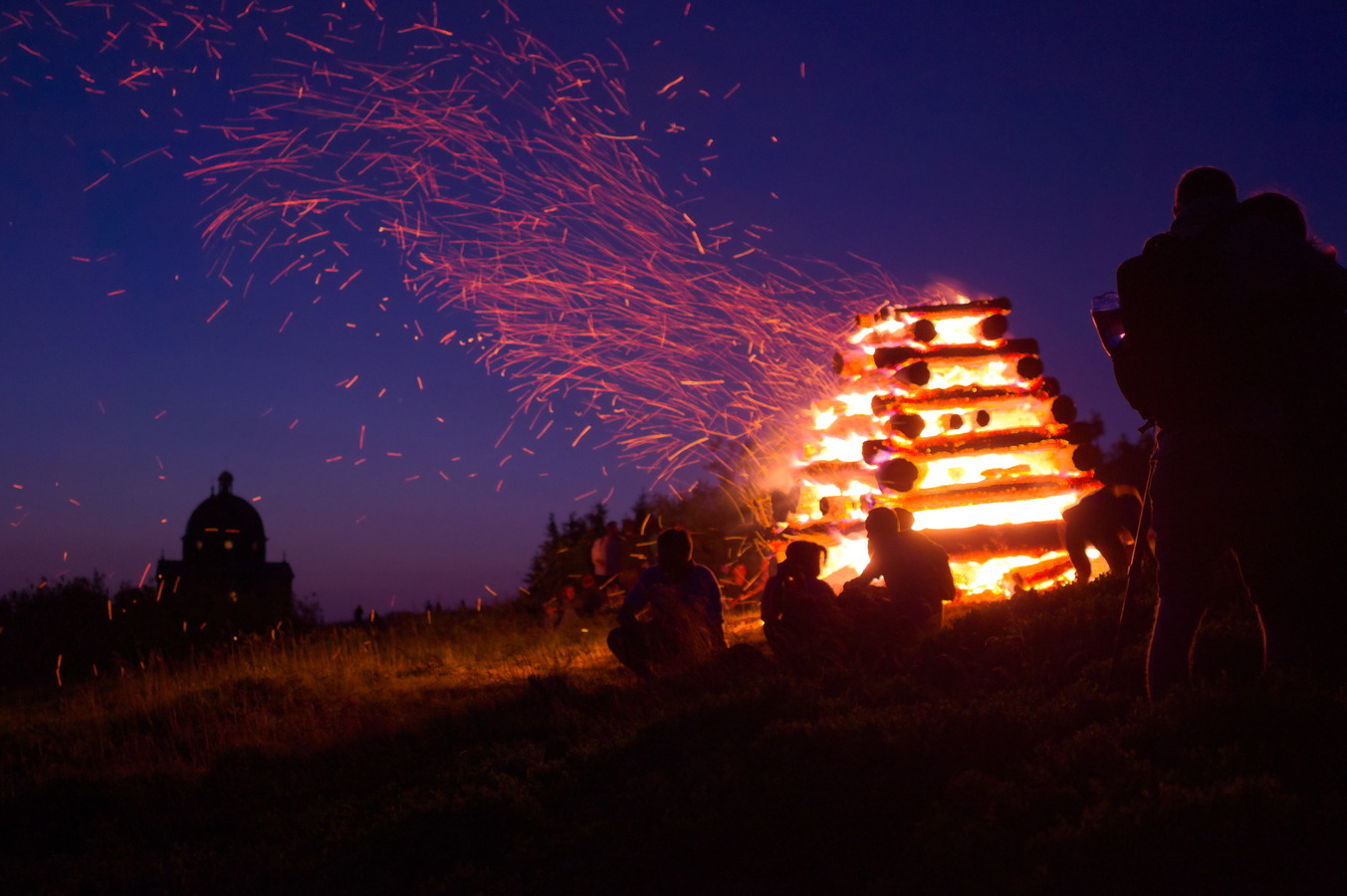 Svätojánska vatra na Radhošti