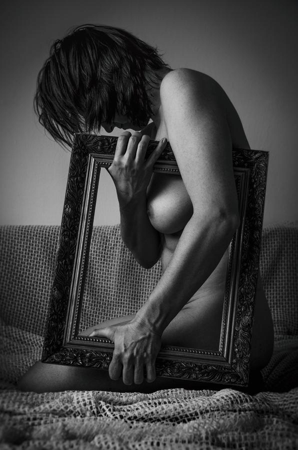 Ženskost v rámu