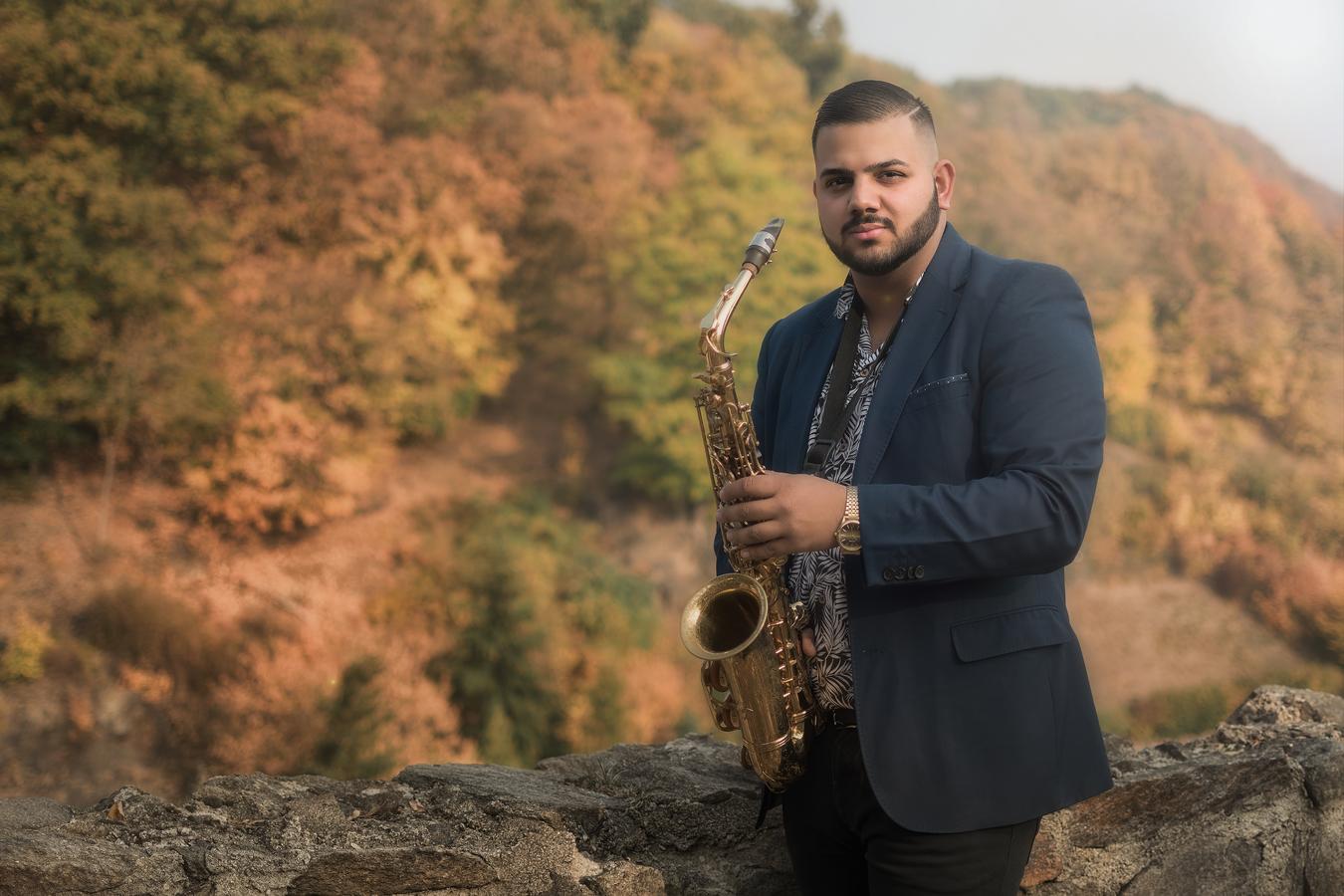 Ondra a saxofon