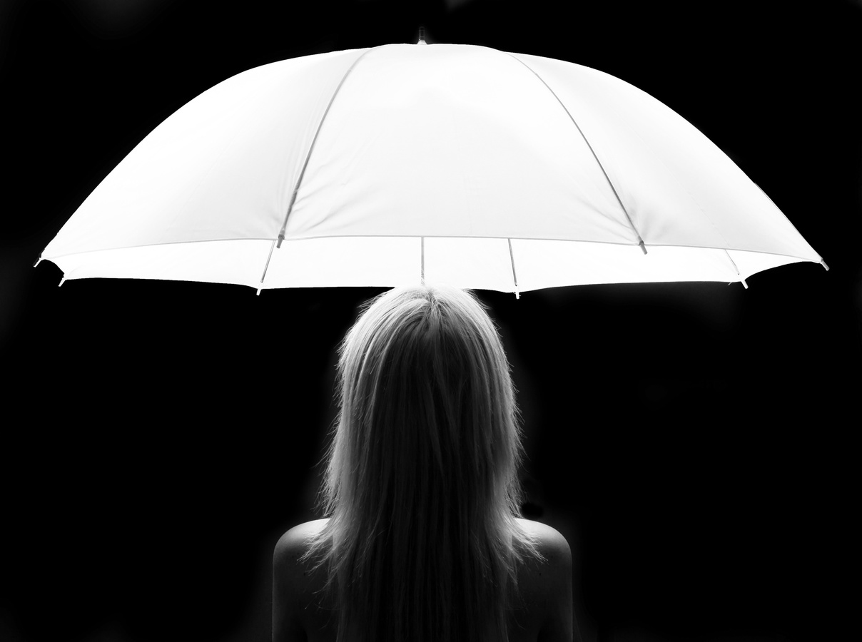 Silueta pod deštníkem