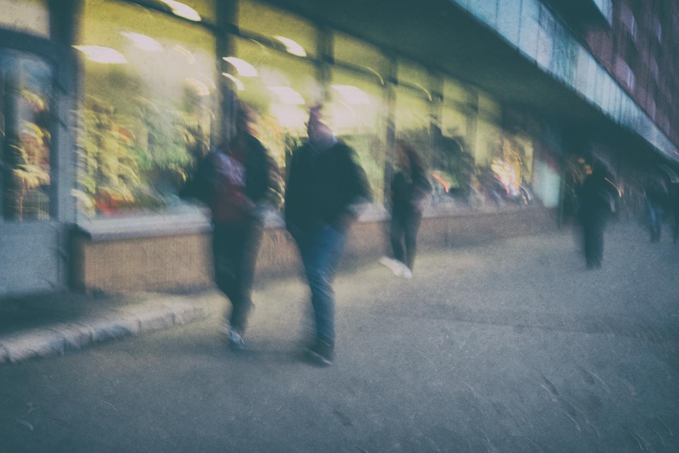 Reflexia z chodníka