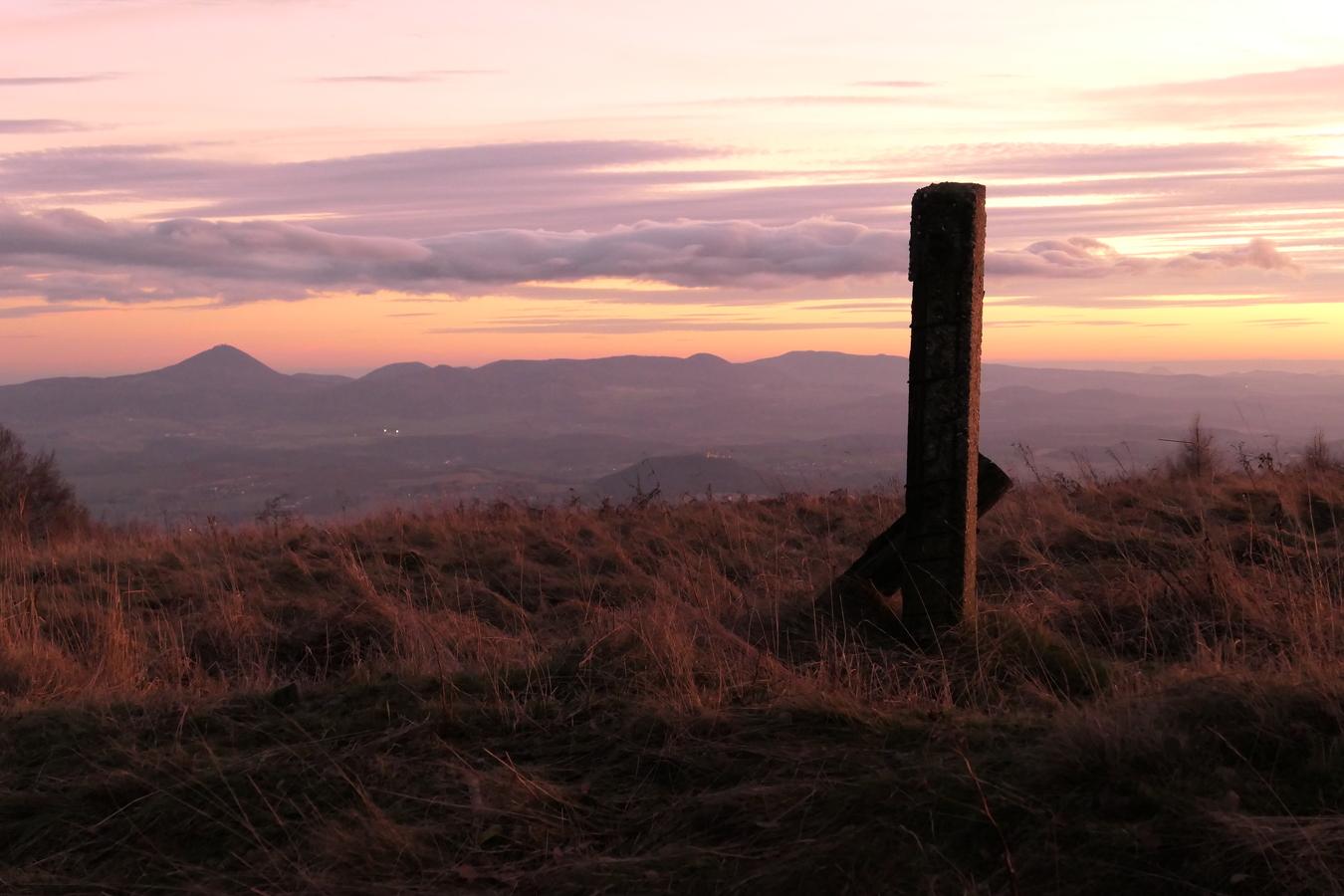 Pohled z hor po setmění