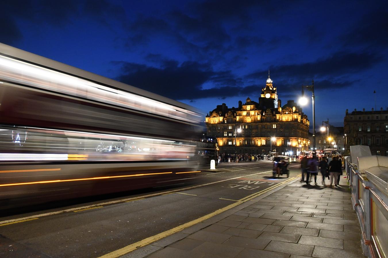 Noční Edinburgh