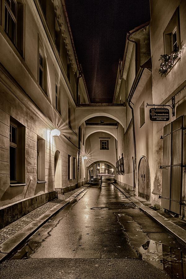 Ticho po ulici