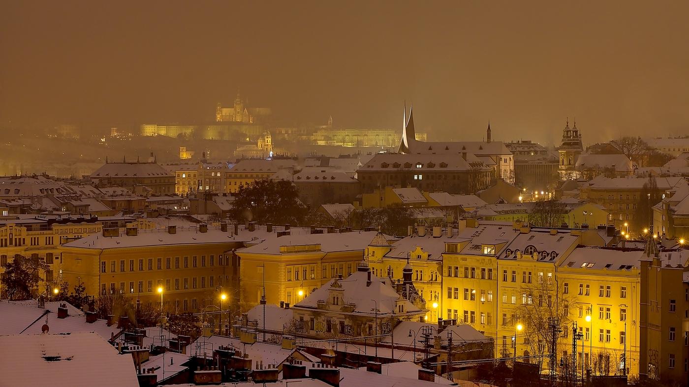 Pražský inverzní podvečer