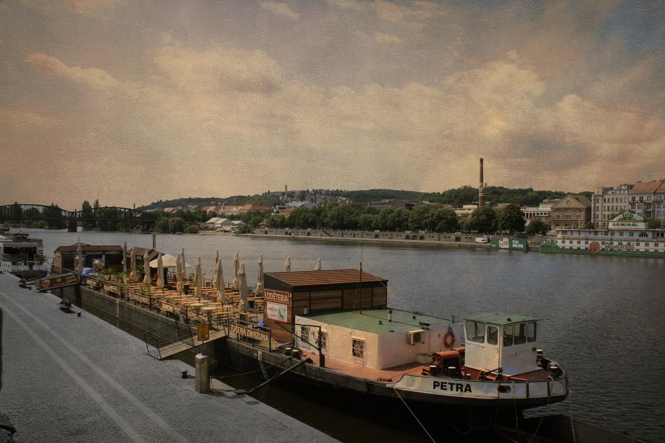 Vltava Praha lodka