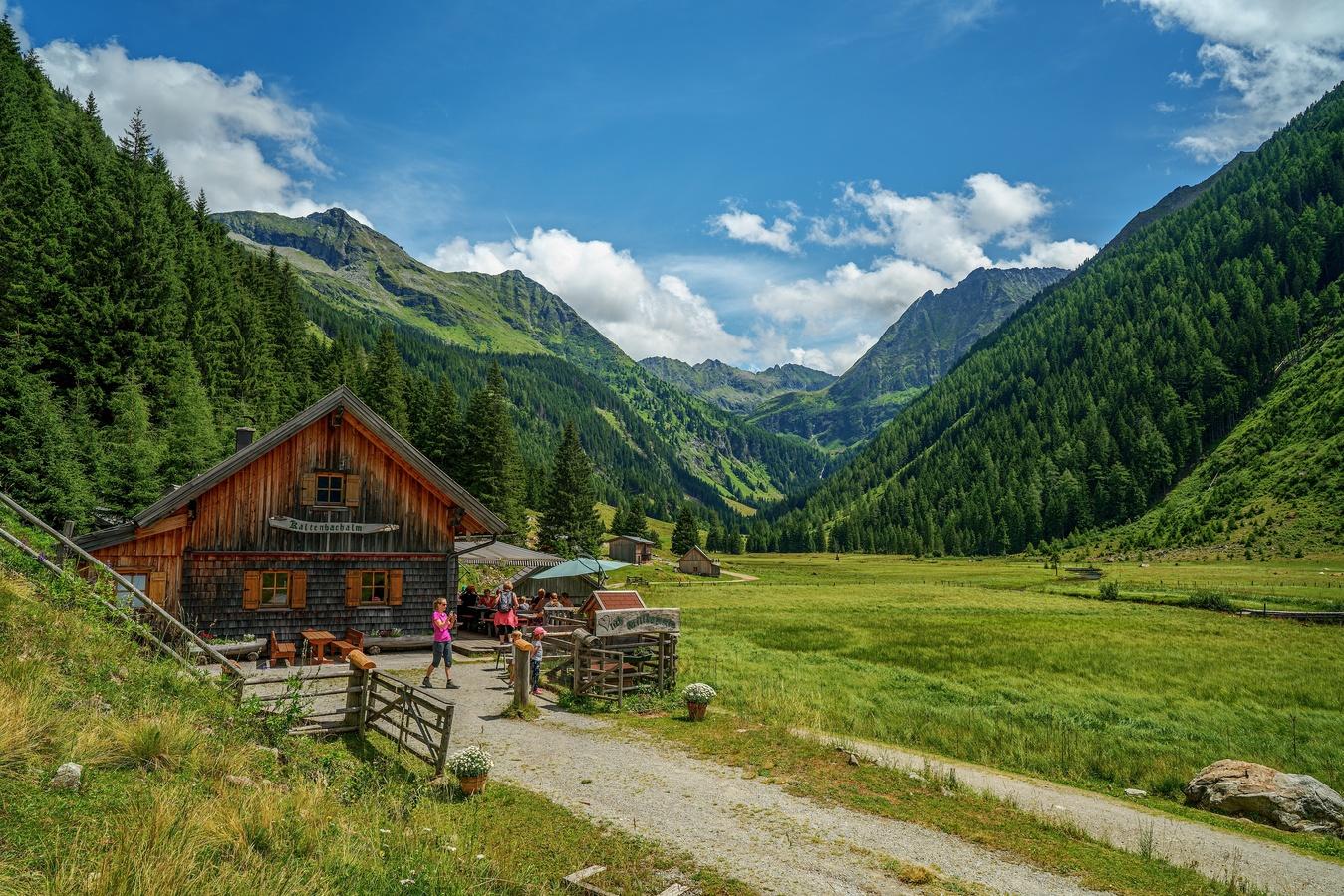Údolí u jezera Riesachsee