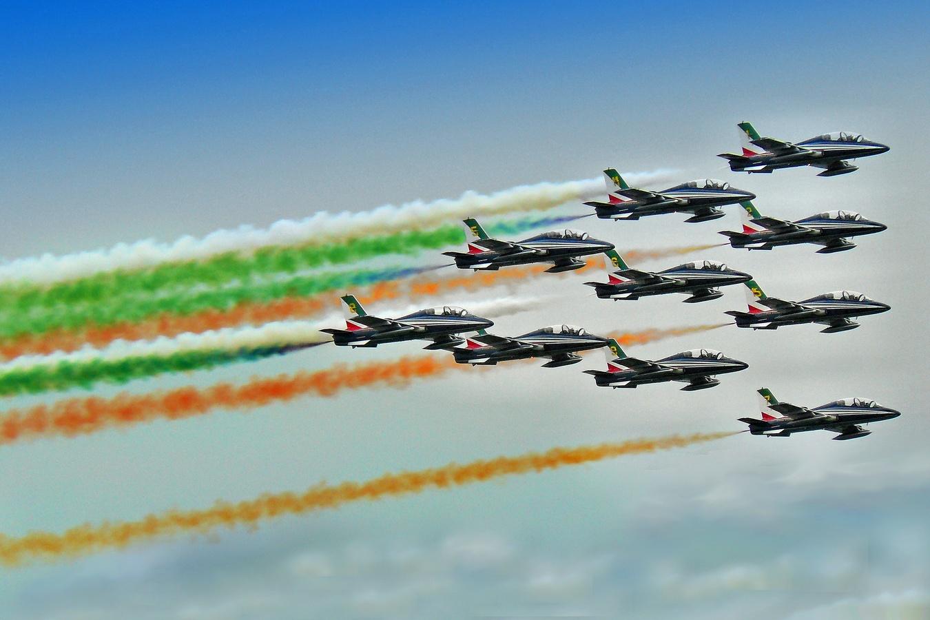 Průlet Frecce Tricolori na Dnech NATO