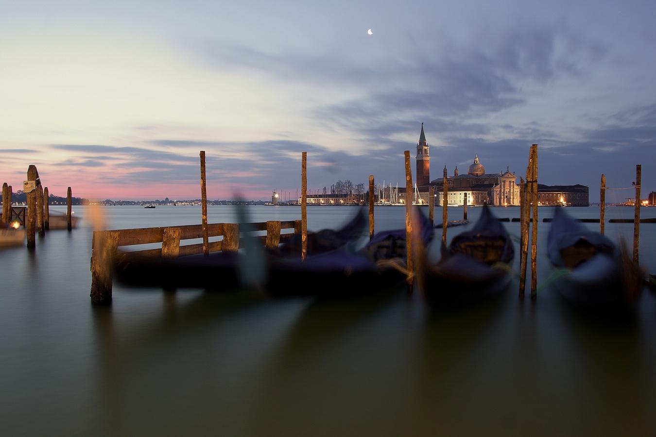 Svítání v Benátkách