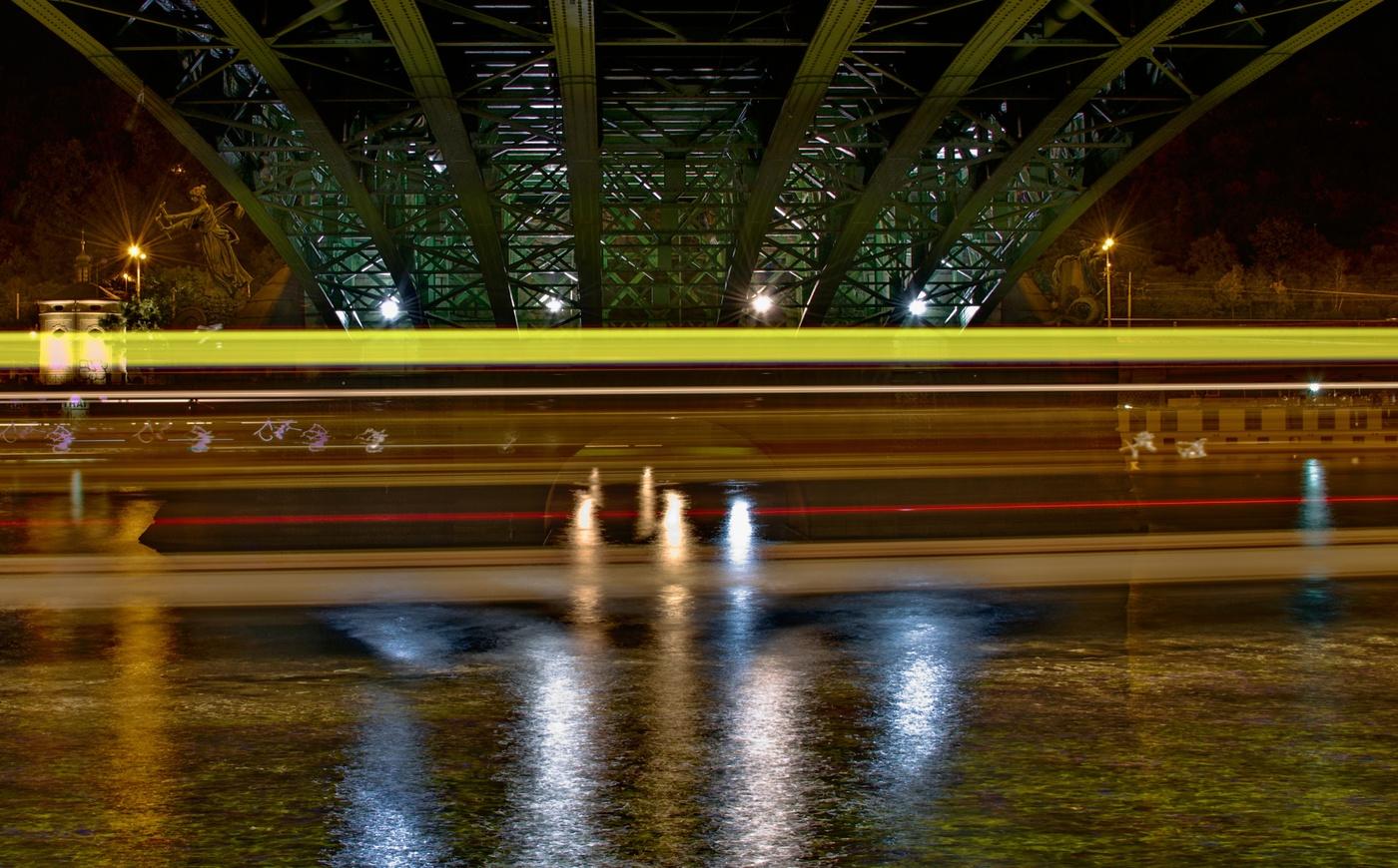 Pod Čechovým mostem