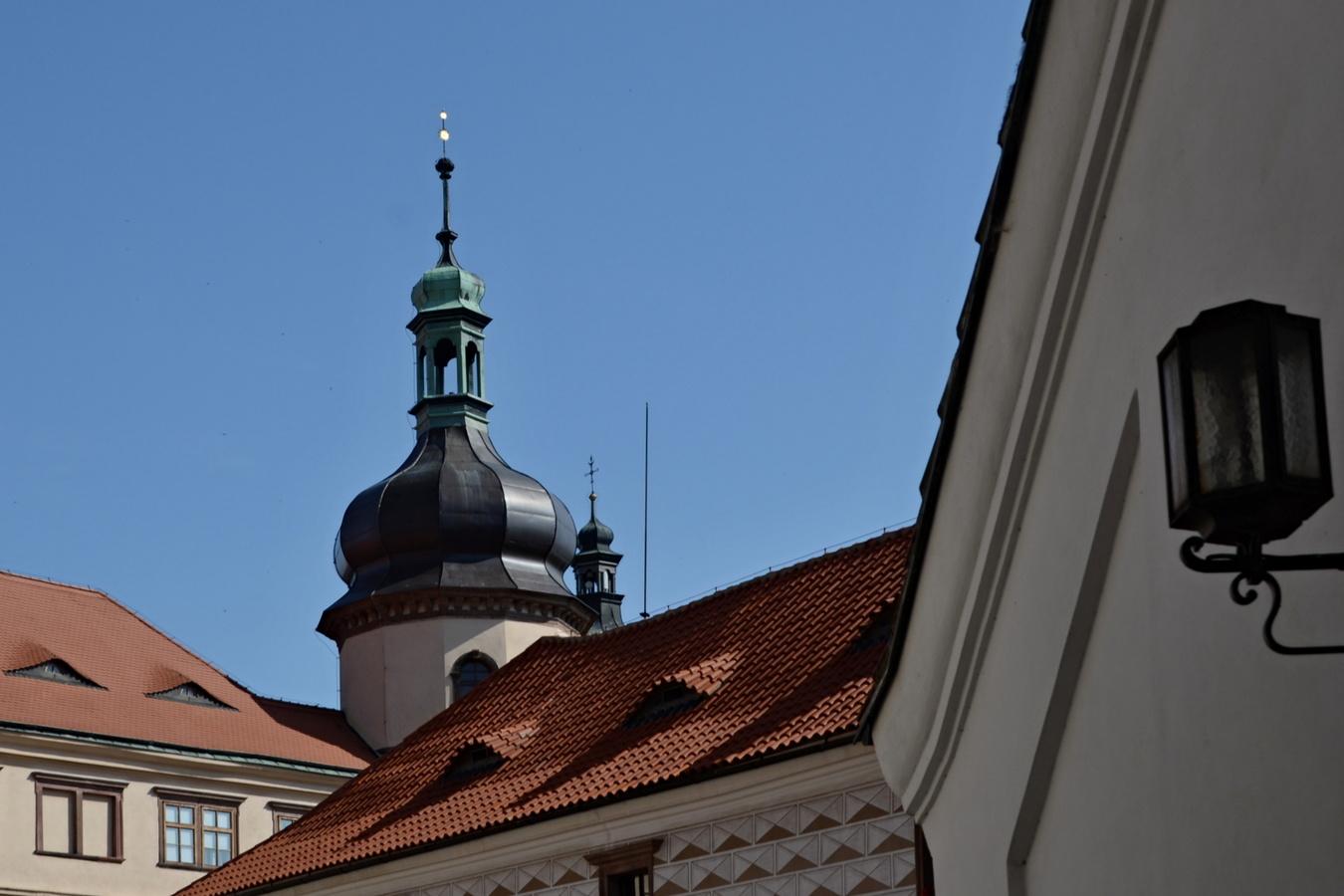 Zámek v Kostelci nad Č. lesy VI.