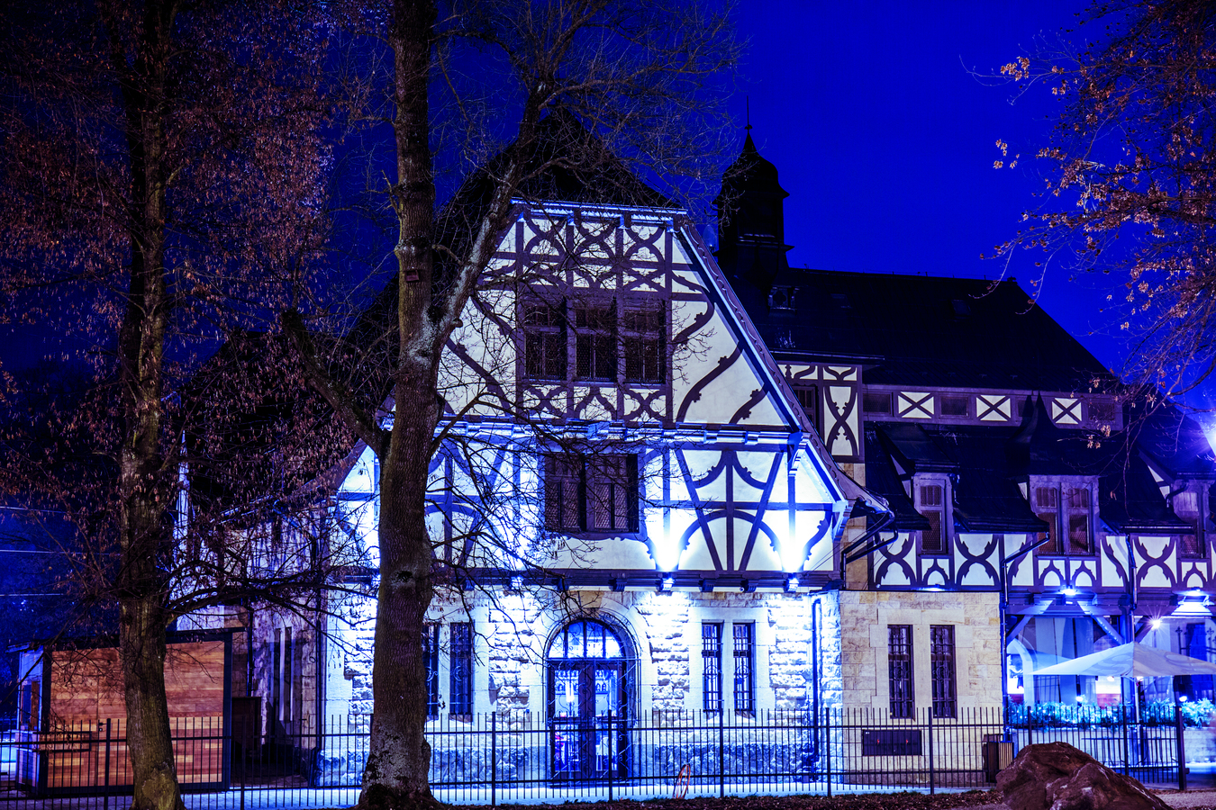 Chateau stables restaurant night
