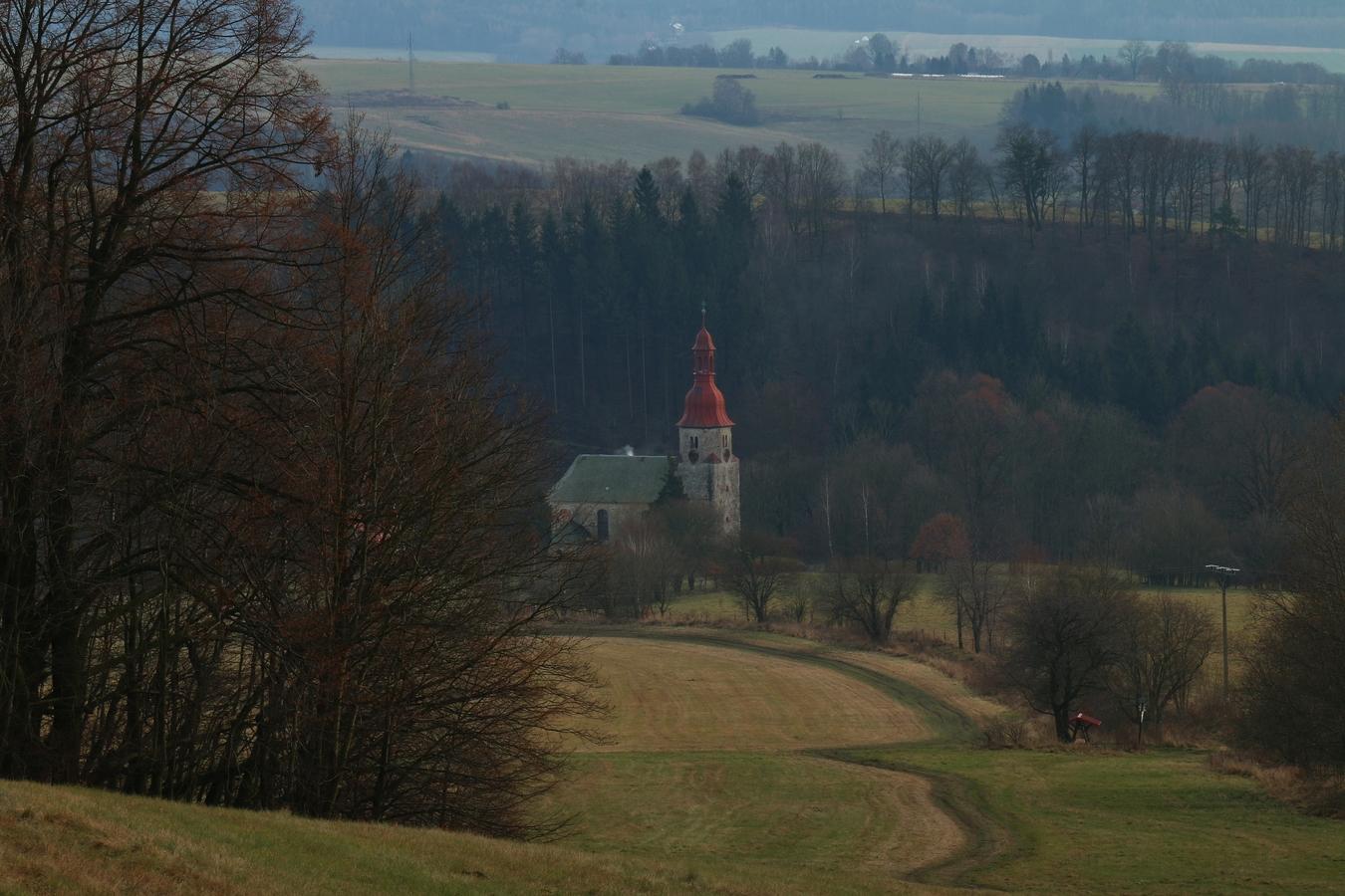 Kostelík Nanebevzetí Panny Marie.