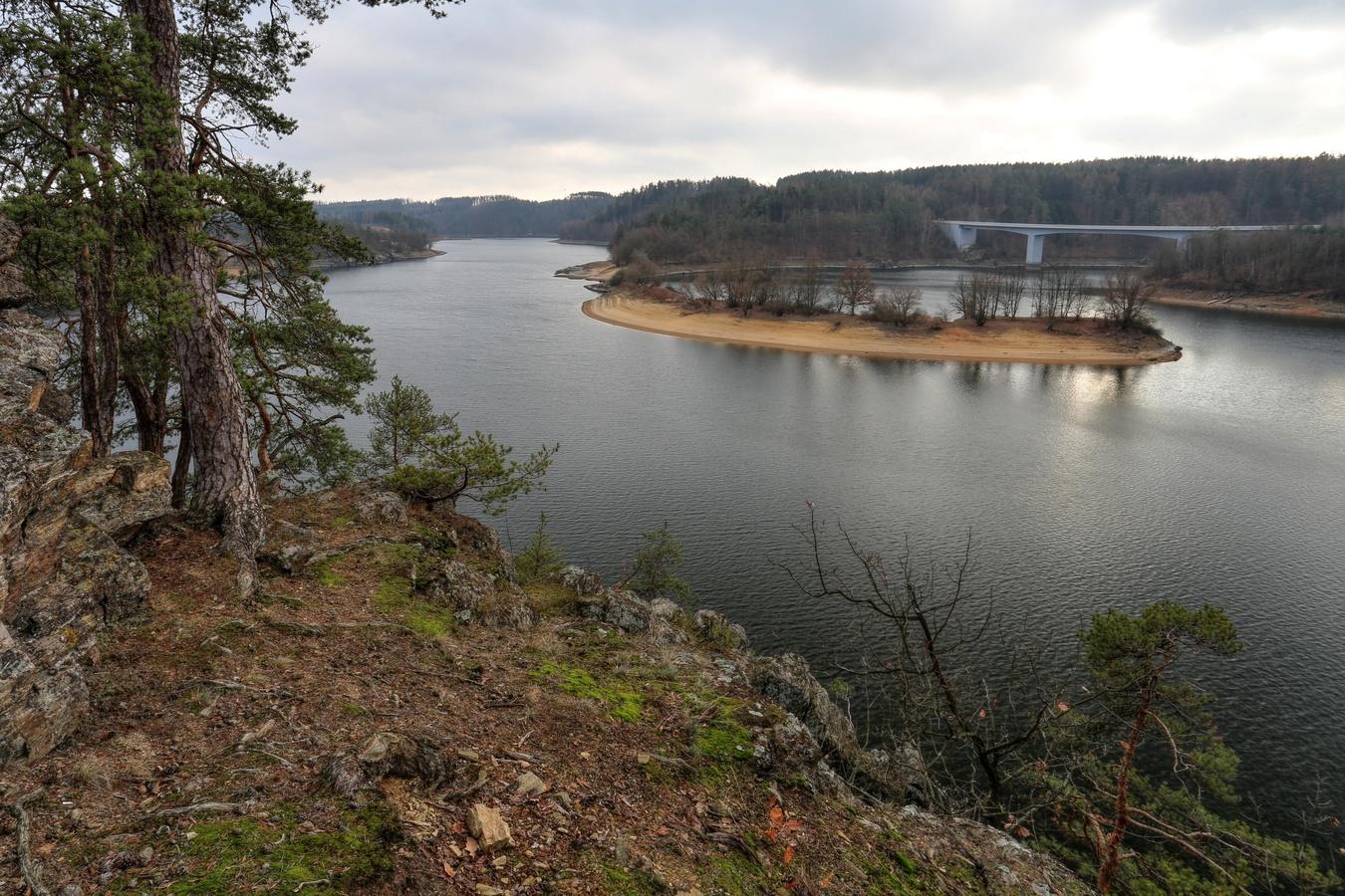 Málo vody Dalešická přehrada III