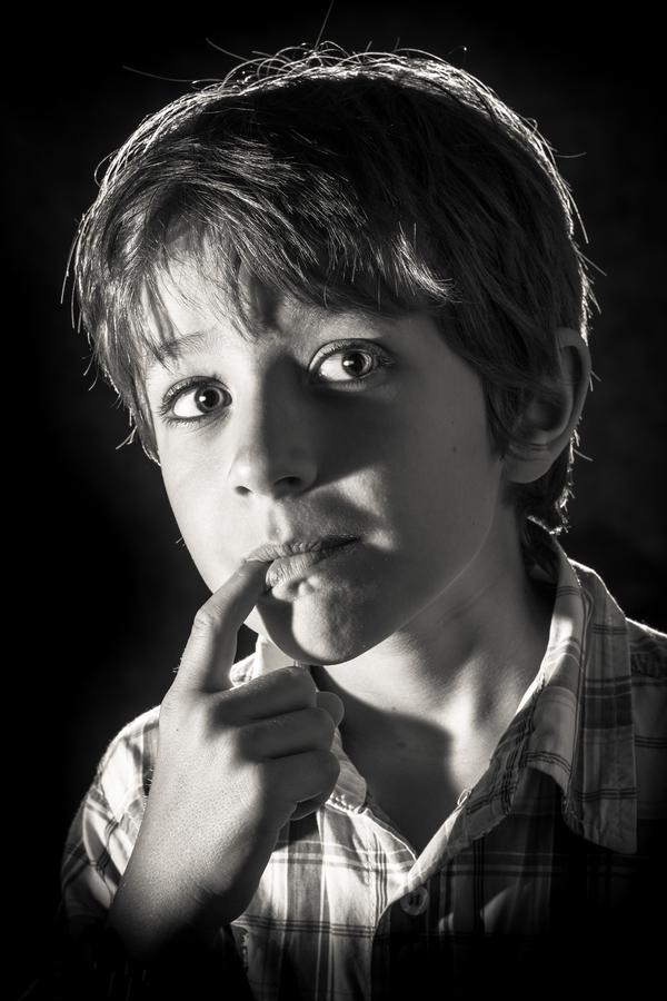 Zamyšlený kluk