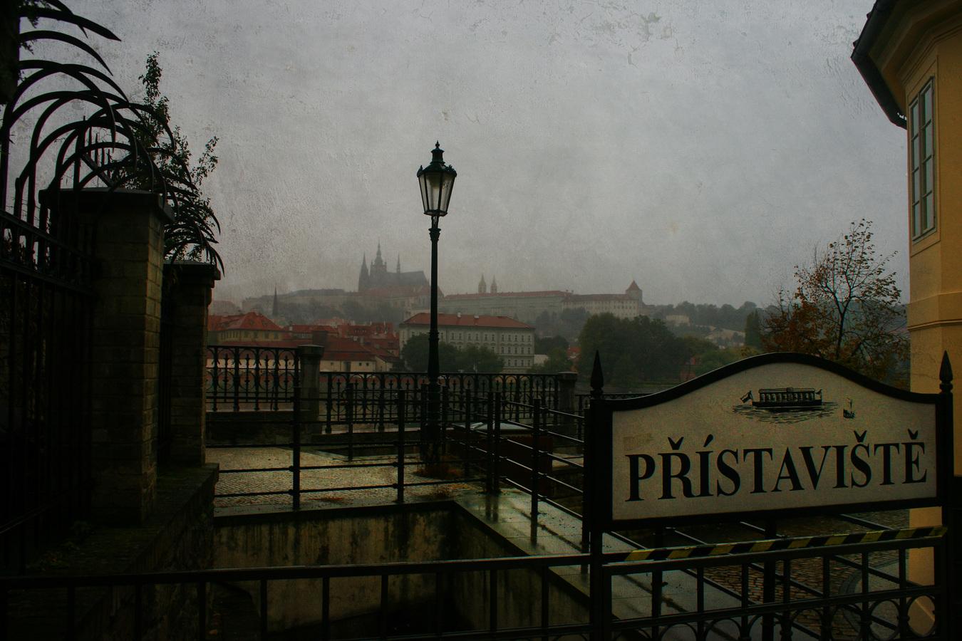 vstup k loďkám na Vltavě