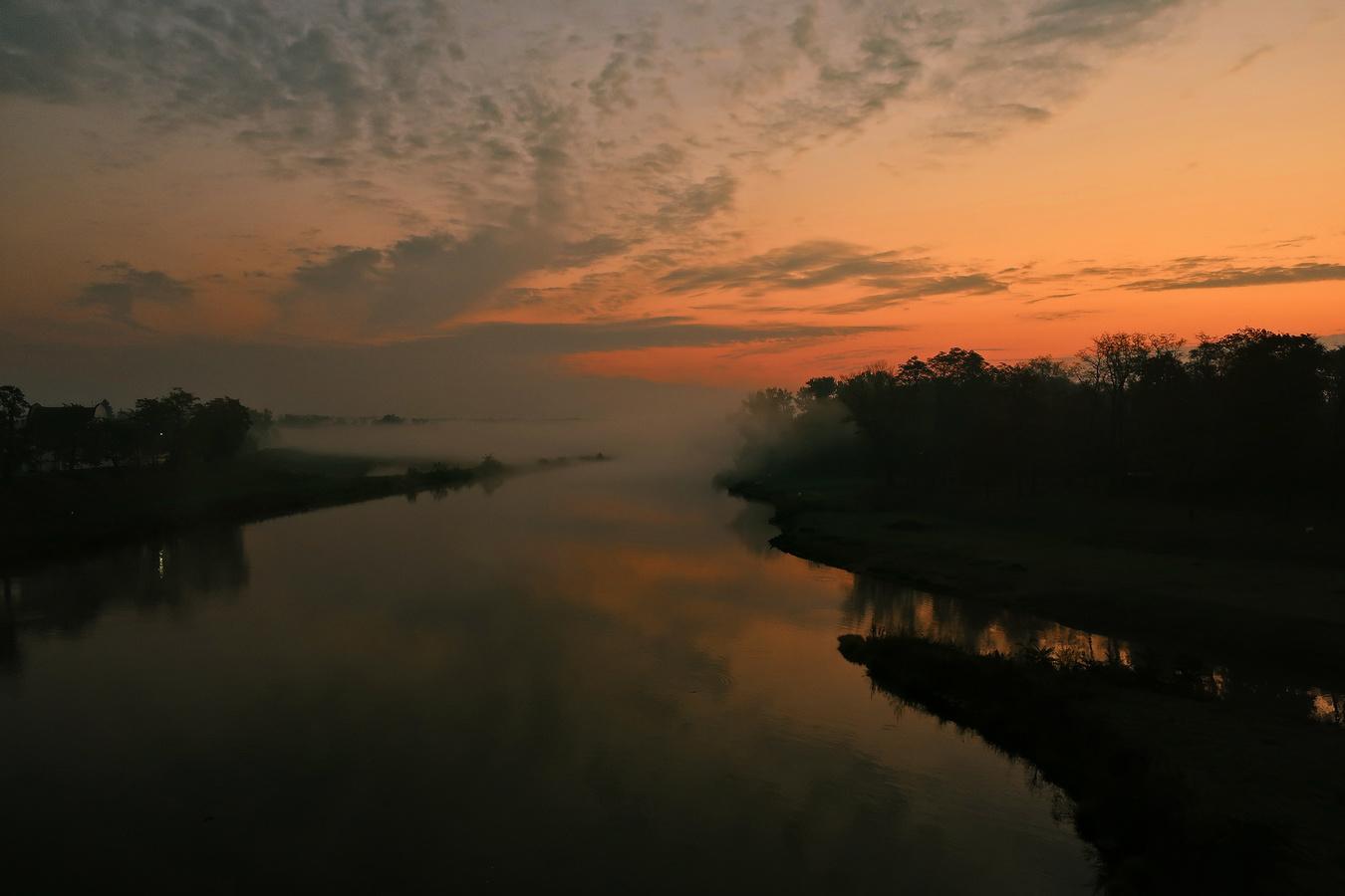 Svítání nad Vltavou