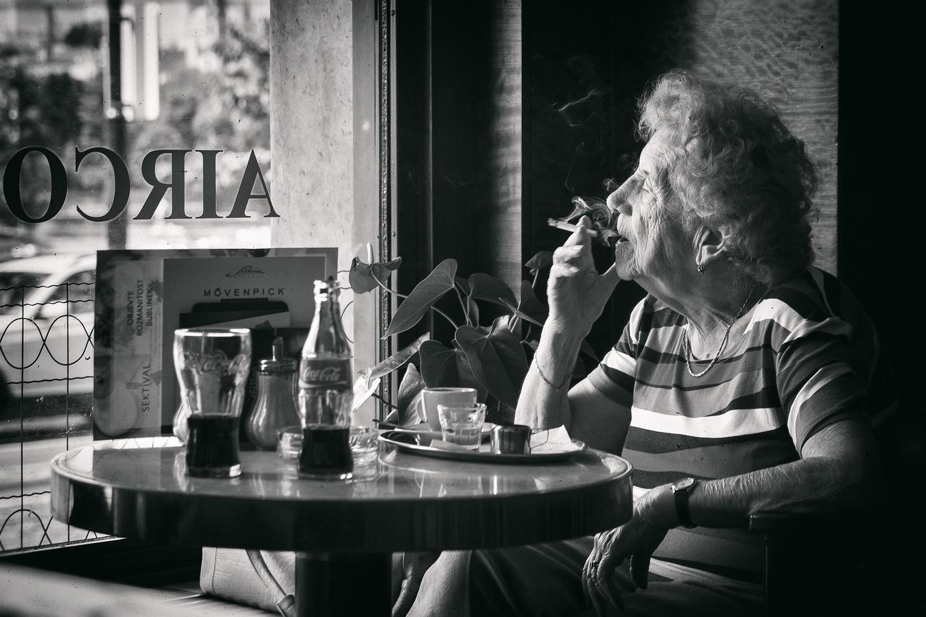... v kavárně