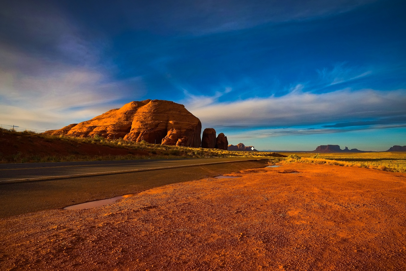 Západ slunce v Monument Valley